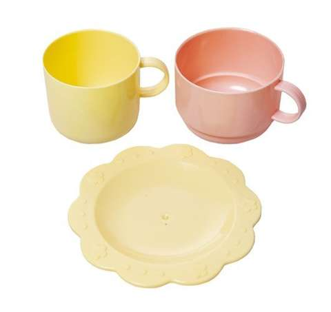 Dishwashing set with dishes